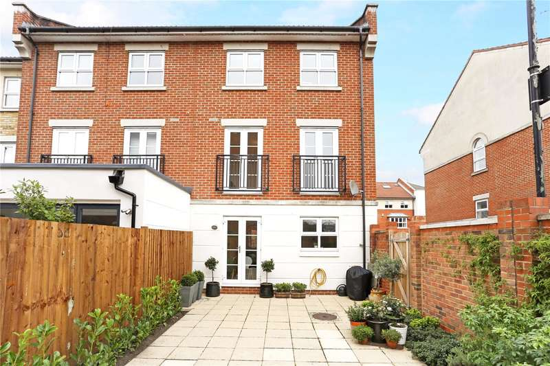 4 Bedrooms Semi Detached House for sale in Lattimer Place, London, W4