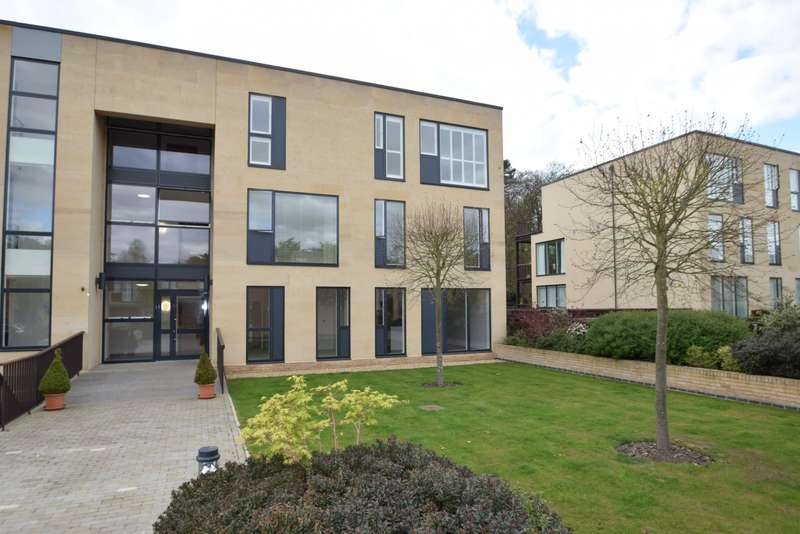 3 Bedrooms Flat for sale in Cliveden Gages, Taplow, Maidenhead, SL6