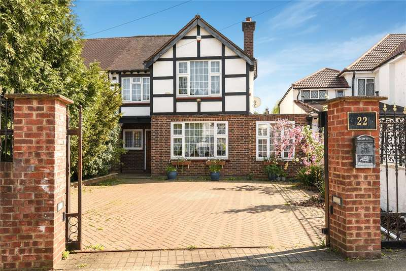 4 Bedrooms Semi Detached House for sale in Sudbury Court Drive, Harrow, Middlesex, HA1