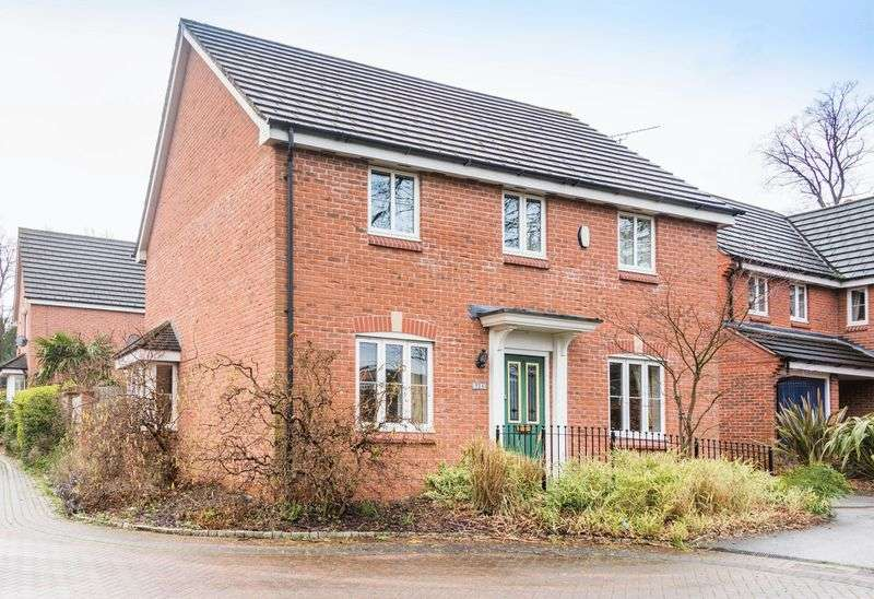 4 Bedrooms Property for sale in Eastwood, Wadsley Park Village, S6 1TU - No Chain Involved - Early Completion Available