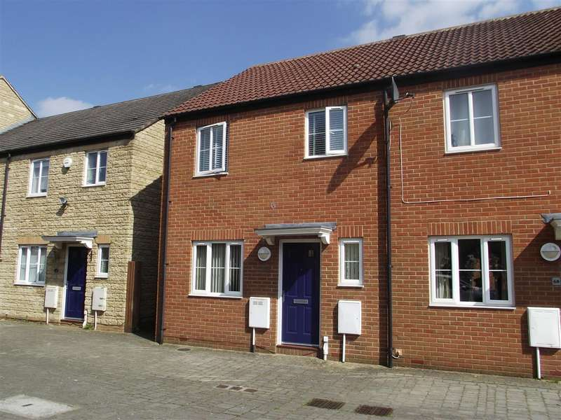 3 Bedrooms Property for sale in Zander Road, Calne