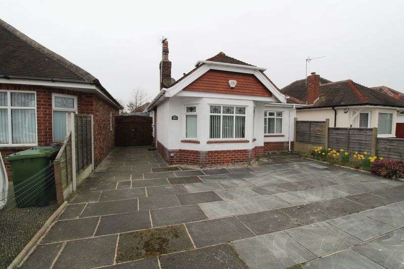 2 Bedrooms Detached Bungalow for sale in Preston New Road, Southport
