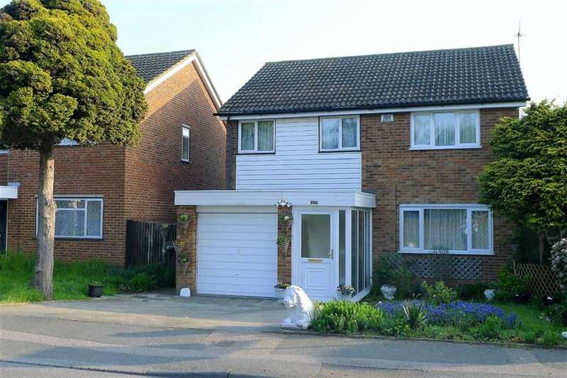 4 Bedrooms Detached House for sale in Pear Tree Lane, Hempstead, Kent, ME7