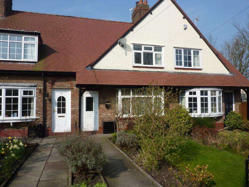 2 Bedrooms House for sale in Ryles Park Road, Macclesfield