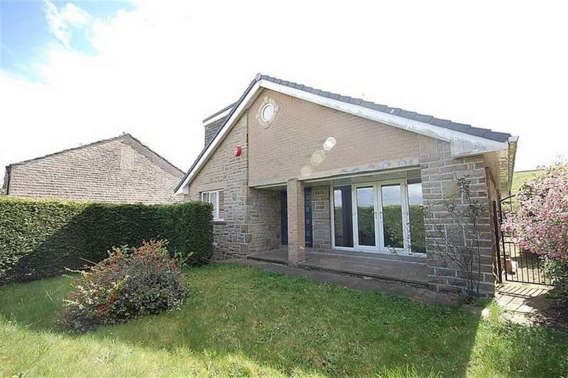 5 Bedrooms Detached Bungalow for sale in Blackmoorfoot, Linthwaite, Huddersfield, HD7