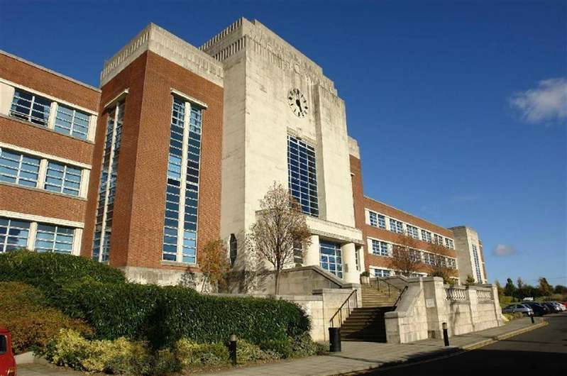 3 Bedrooms Apartment Flat for sale in The Wills Building, Newcastle Upon Tyne, NE7