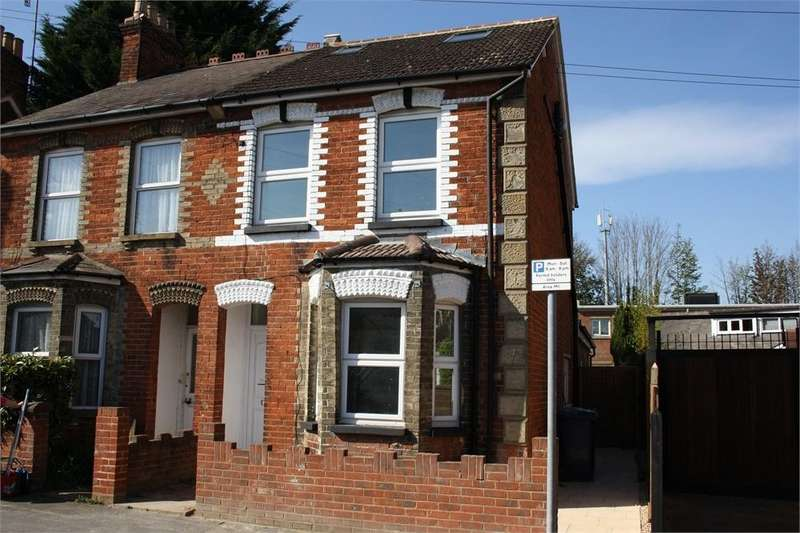 3 Bedrooms Semi Detached House for sale in St Georges Road, Aldershot, Hampshire