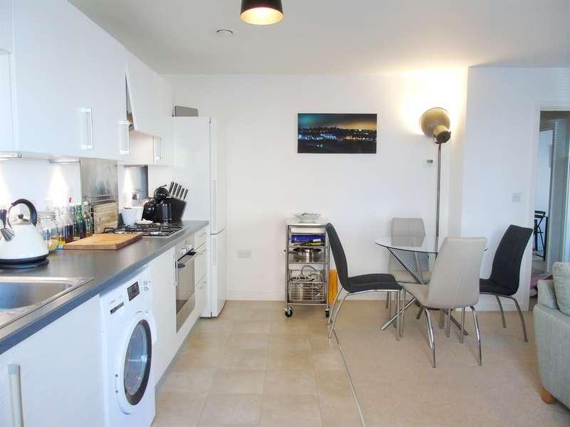 2 Bedrooms Apartment Flat for sale in Wain Close, Penarth