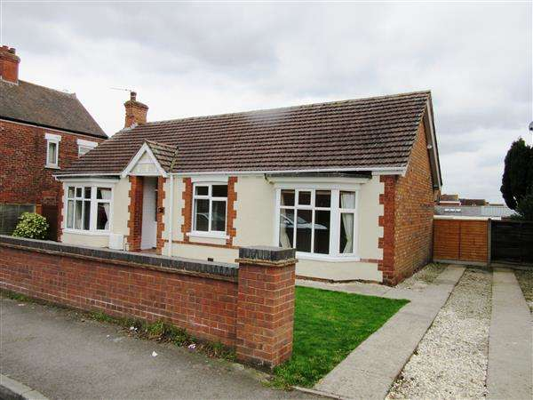 3 Bedrooms Detached Bungalow for sale in Grammar School Road, Brigg