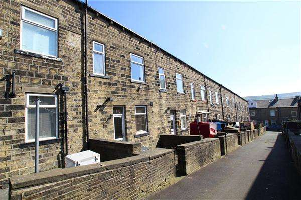 3 Bedrooms Terraced House for sale in Cleveleys Avenue, Sowerby Bridge