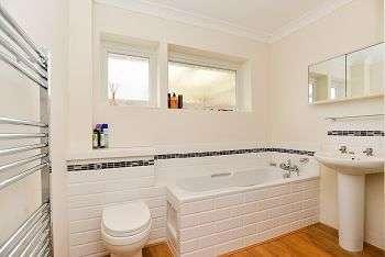2 Bedrooms Detached House for sale in Marlborough Court, Bognor Regis, PO21