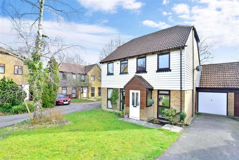 2 Bedrooms Semi Detached House for sale in Bridger Way, Crowborough, East Sussex