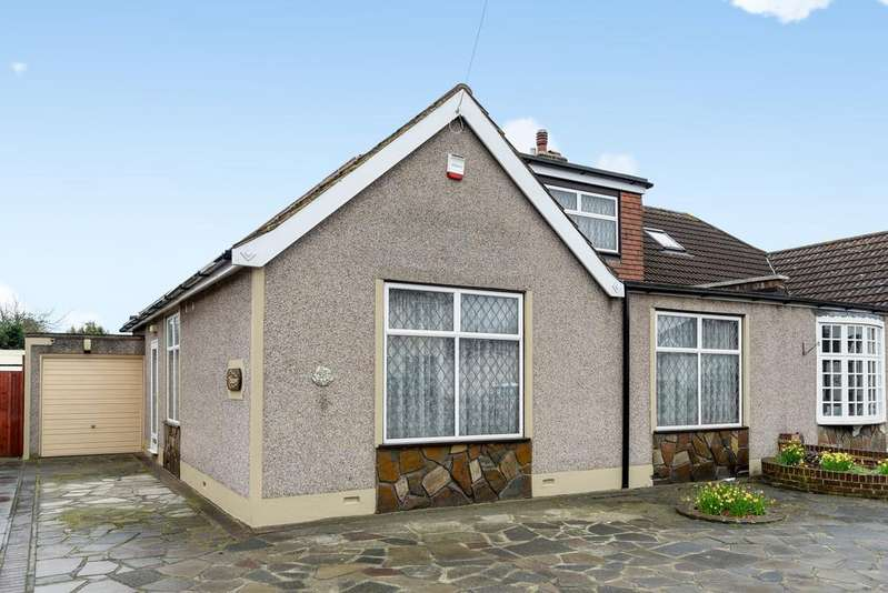 4 Bedrooms Bungalow for sale in Long Lane Bexleyheath DA7