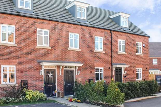 3 Bedrooms Terraced House for sale in Roberts Court, Northwich, Cheshire
