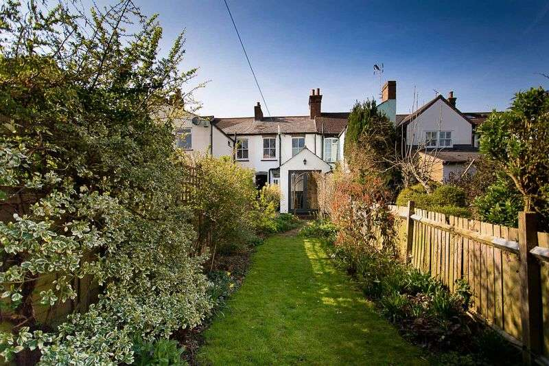 2 Bedrooms Terraced House for sale in Upper Culver Road, St. Albans