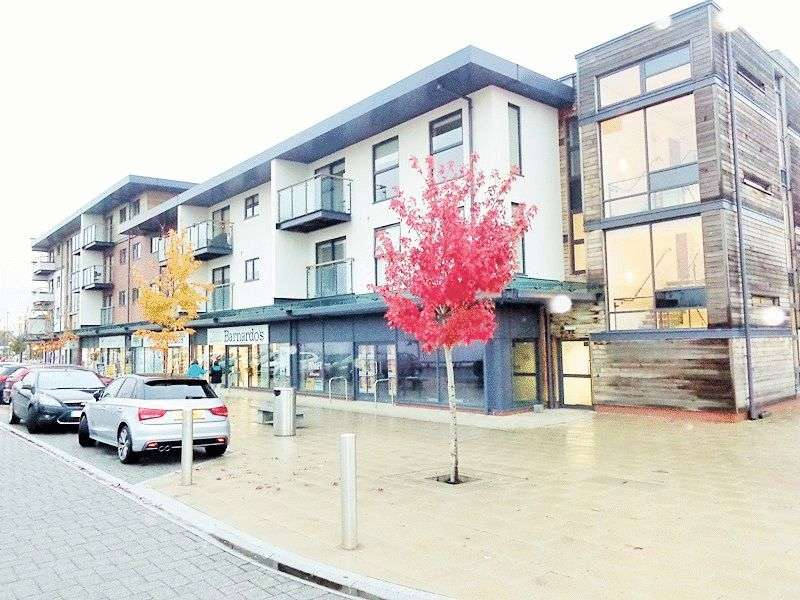 2 Bedrooms Flat for sale in Whittle Way, Gloucester