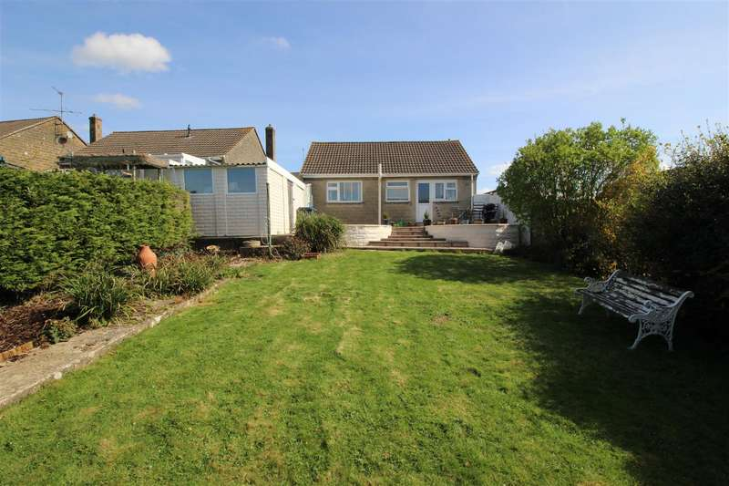 3 Bedrooms Bungalow for sale in Boundary Road, Chippenham