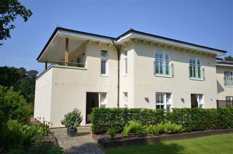 2 Bedrooms Flat for sale in The Walled Garden, Moor Park, Farnham