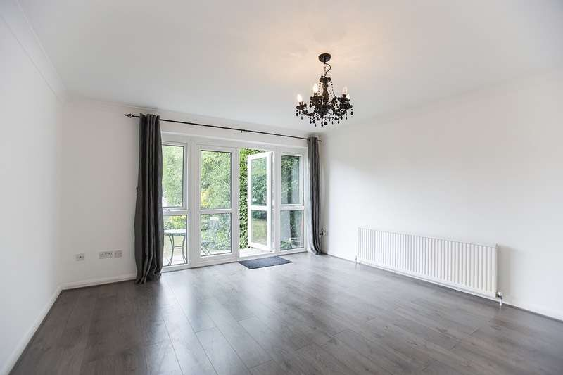 2 Bedrooms Apartment Flat for sale in churchfields, london, Essex, E18