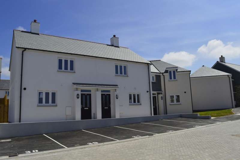 3 Bedrooms Semi Detached House for sale in Polpennic Drive, Padstow, PL28