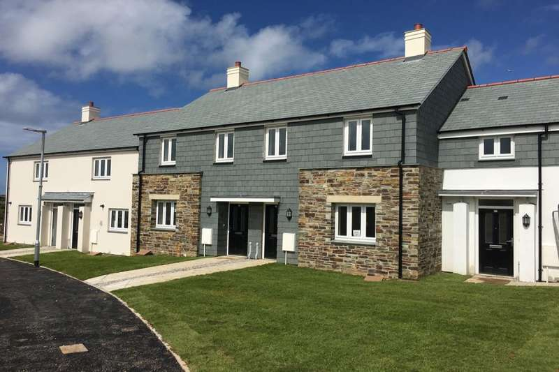 2 Bedrooms Semi Detached House for sale in Polpennic Drive, Padstow, PL28