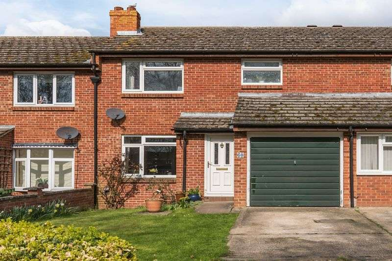 3 Bedrooms Semi Detached House for sale in Poplar Close, Oxford
