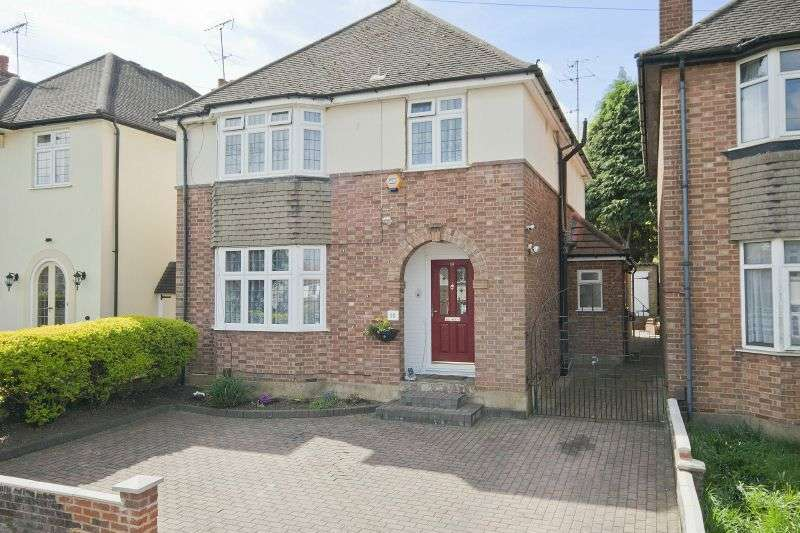 4 Bedrooms Detached House for sale in Brookdene Avenue, Watford