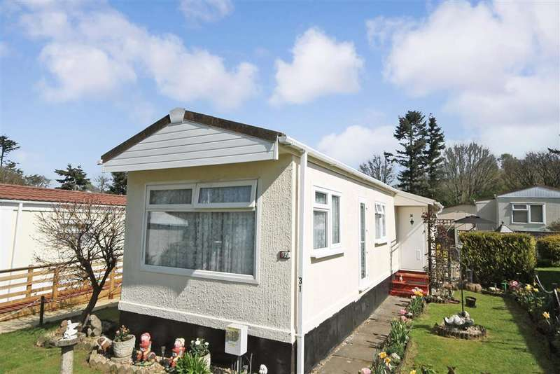1 Bedroom Park Home Mobile Home for sale in Boxhill Road, Tadworth, Surrey