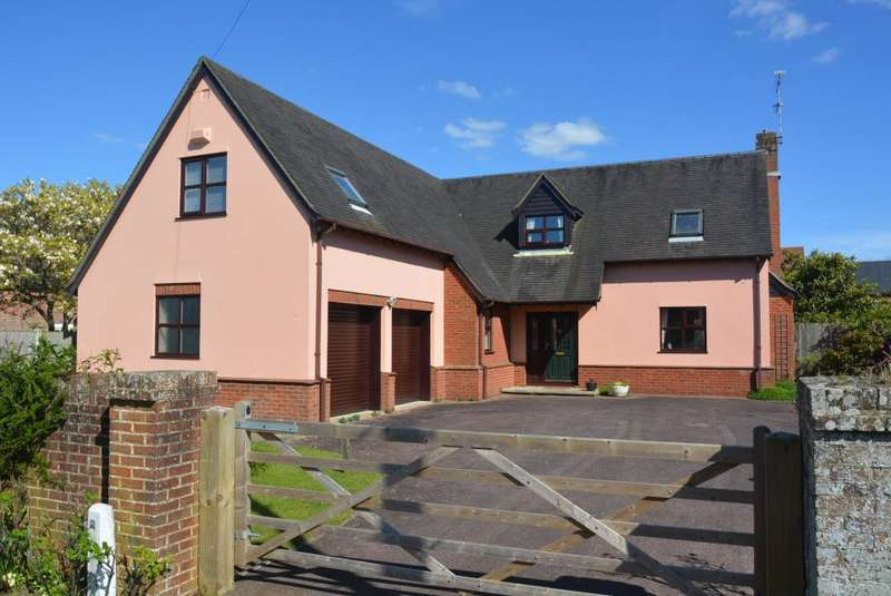 4 Bedrooms Detached Bungalow for sale in STURMINSTER MARSHALL