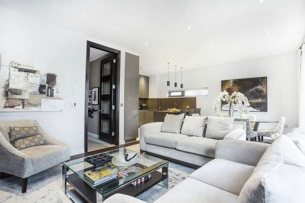 3 Bedrooms End Of Terrace House for sale in The Crescent, Gunnersbury Mews, Chiswick