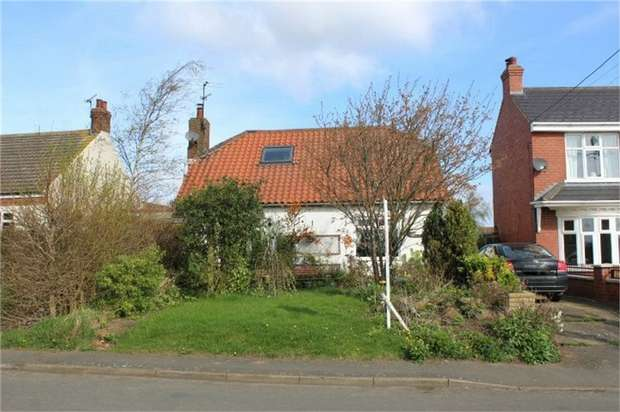 4 Bedrooms Detached House for sale in Cliff Road, Winteringham, Scunthorpe, Lincolnshire