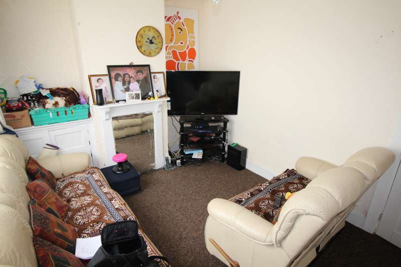 2 Bedrooms End Of Terrace House for sale in Lancaster Street, Leicester, LE5