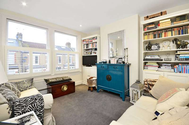 3 Bedrooms Maisonette Flat for sale in Smeaton Road, Southfields, SW18