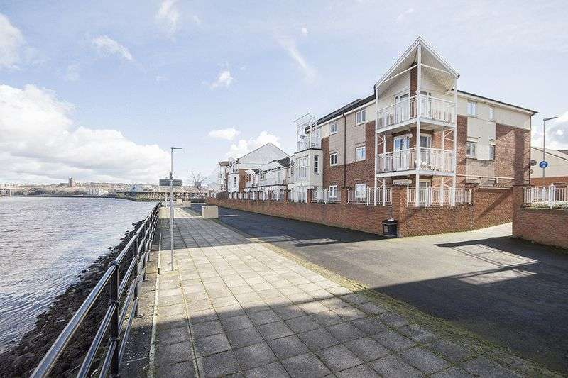 2 Bedrooms Flat for sale in Grebe Close, Gateshead