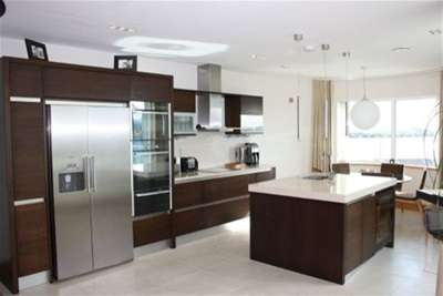 2 Bedrooms Flat for rent in Harbour Point, Cardiff Bay, Cardiff