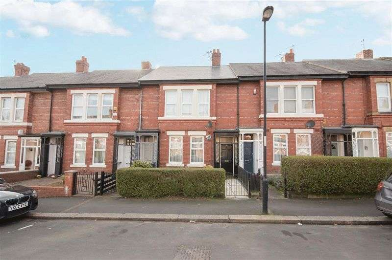 2 Bedrooms Flat for sale in Hyde Terrace, Newcastle Upon Tyne