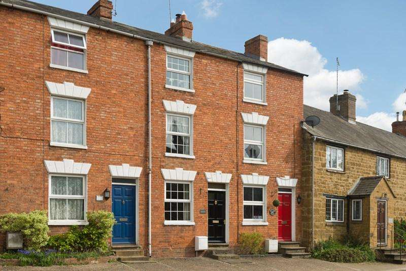 3 Bedrooms Cottage House for sale in High Street, Bloxham, Banbury