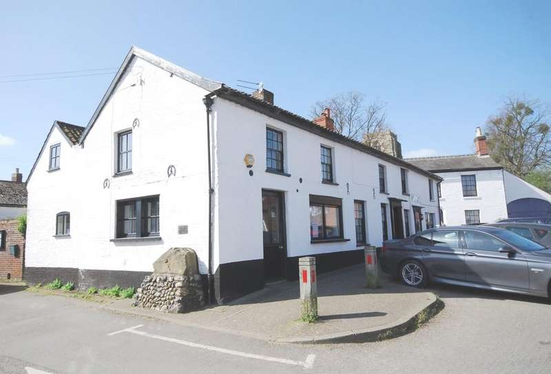 4 Bedrooms Semi Detached House for sale in Hingham, Norwich