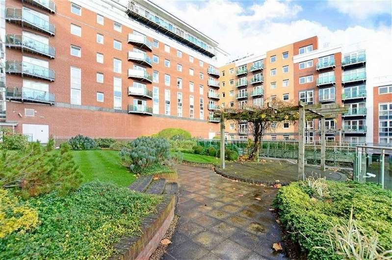2 Bedrooms Apartment Flat for rent in 504 Royal Plaza, Eldon St, Sheffield, S1 4GB