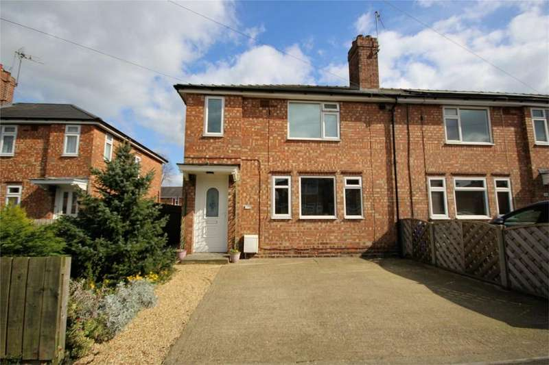 4 Bedrooms Semi Detached House for sale in Kings Square, Beverley, East Riding of Yorkshire