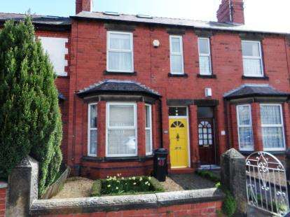 3 Bedrooms Terraced House for sale in St. Marks Road, Saltney, Cheshire, CH4