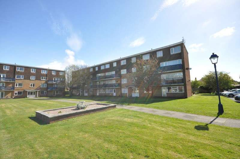 2 Bedrooms Flat for sale in Glen Eldon Road, St Annes, Lancashire, FY8 2BH