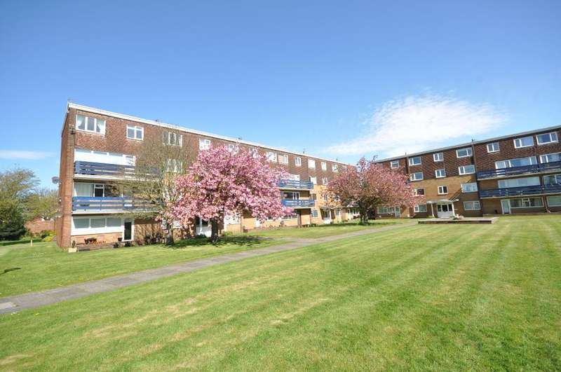 3 Bedrooms Flat for sale in Eldon Court, St Annes, Lytham St Annes, Lancashire, FY8 2BH