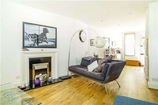 3 Bedrooms Terraced House for sale in Belvedere, BATH, Somerset, BA1