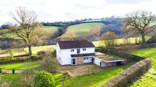 5 Bedrooms Detached House for sale in Cutteridge Lane, Whitestone, Exeter, Devon