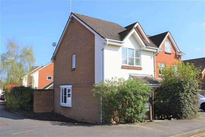 2 Bedrooms House for sale in Crosby Way, Farnham, Surrey