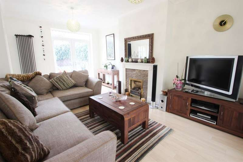 4 Bedrooms Semi Detached House for sale in Downview Road, Worthing, West Sussex, BN11 4QR