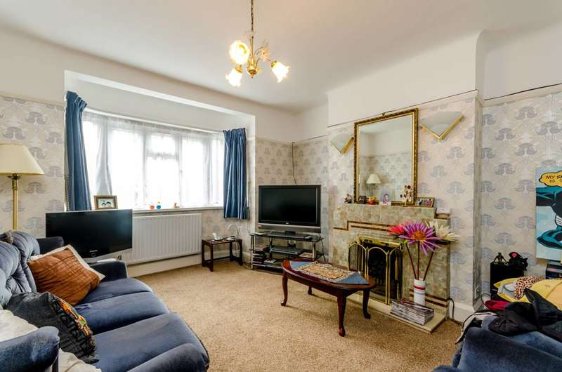 3 Bedrooms Semi Detached House for sale in Allfarthing Lane, Wandsworth, SW18