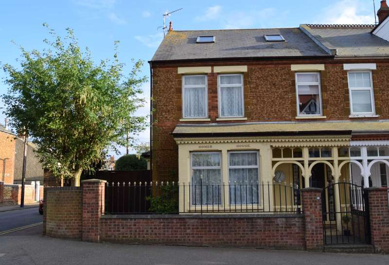 5 Bedrooms Semi Detached House for sale in 21 Austin Street