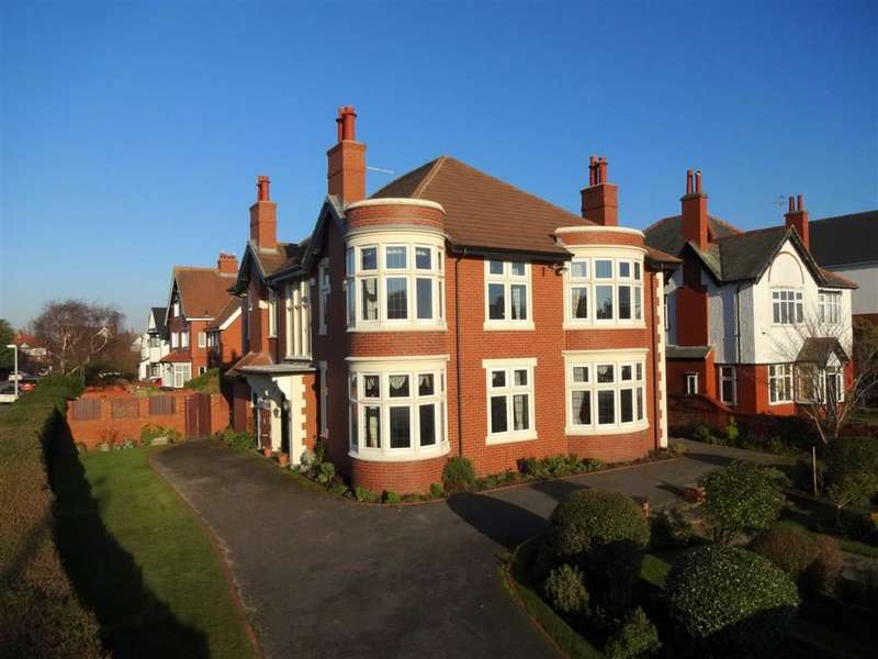 5 Bedrooms Property for sale in Queens Road, St Annes On Sea